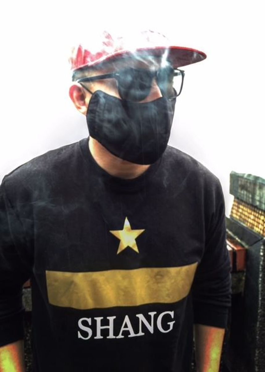 Black color Jackets . Shang Star Gold Sweatshirt -