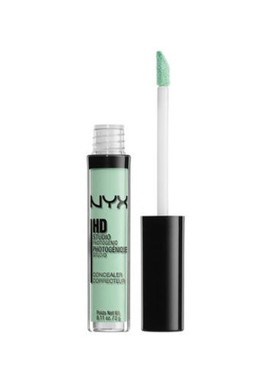 Green color Face . NYX HD Photogenic Concealer Wand - CW12 Green -