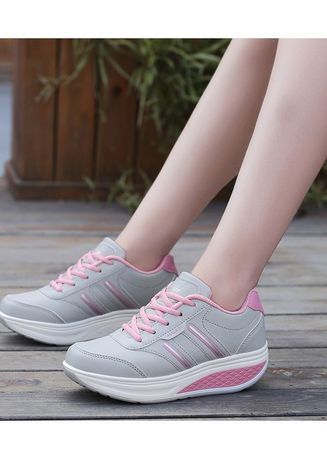 Casual high sole shoes for girls