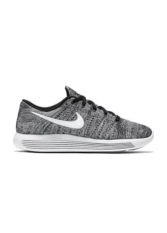 Sports Shoes . Nike LunarEpic Flyknit Low -