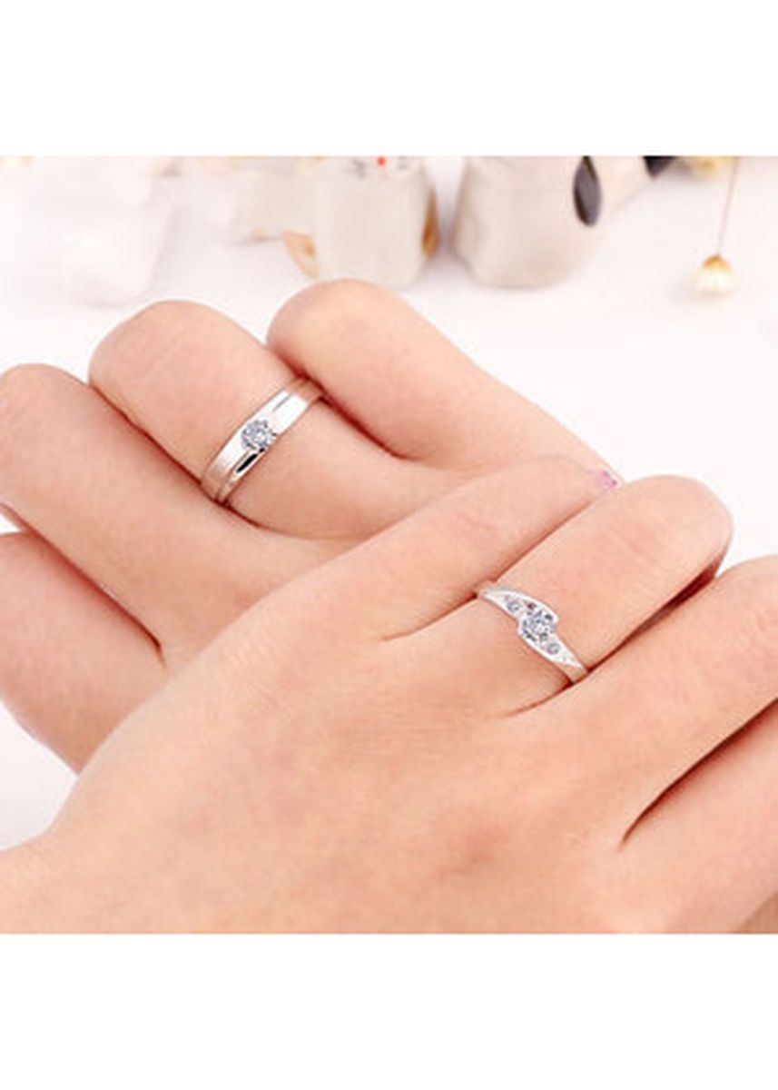 Silver color  . Tiaria VEGA STAR RING Silver 925 Gold Coated Cincin Couple Perak Lapis Emas -