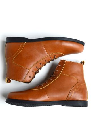 Tan color Boots . Cabaco Salvator -