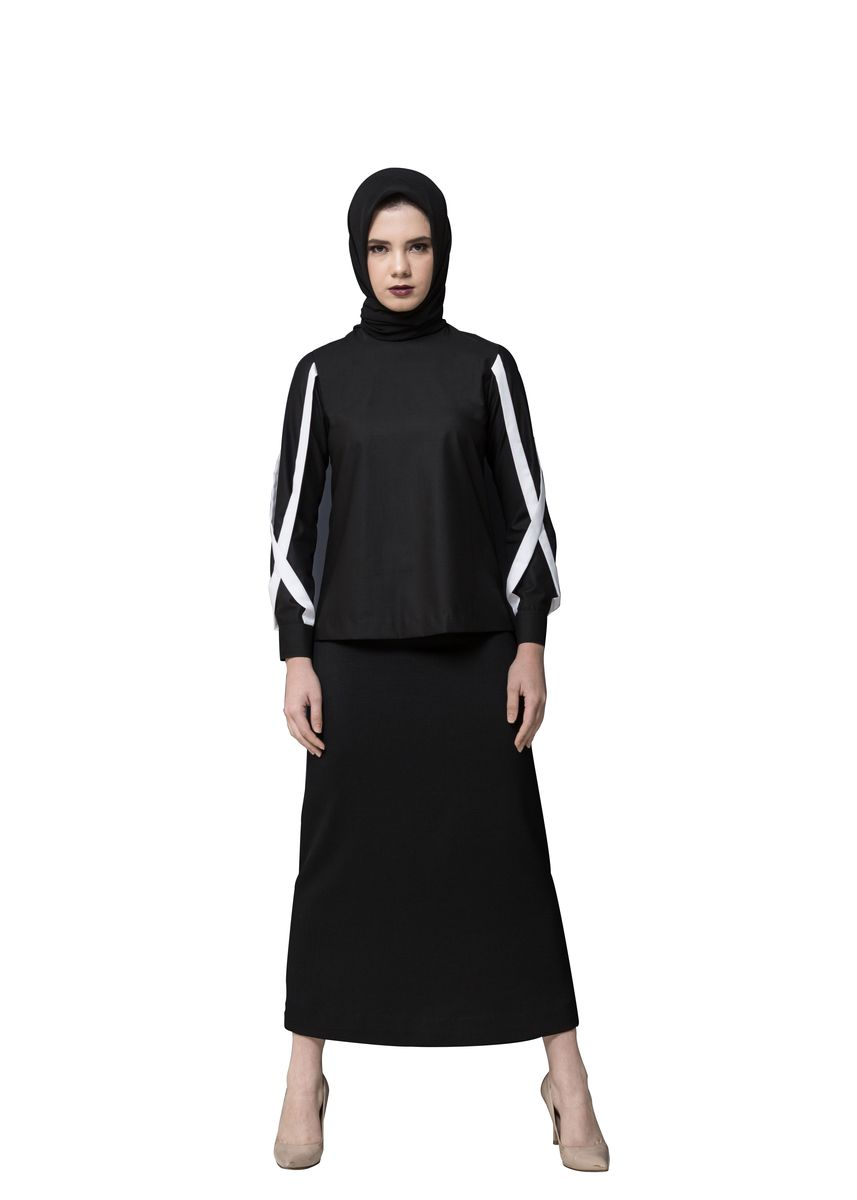 Black color Tops and Tunics . NAJA NAJA LINE B-04 -