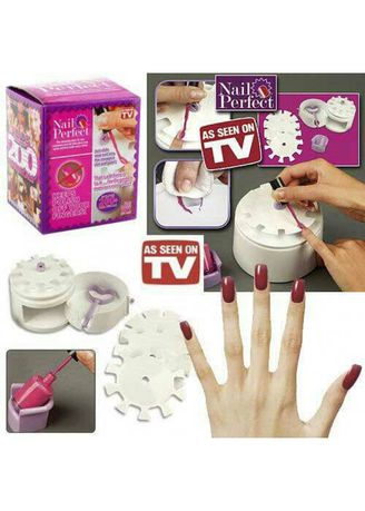 White color Nails . The Nail Perfect Kit -