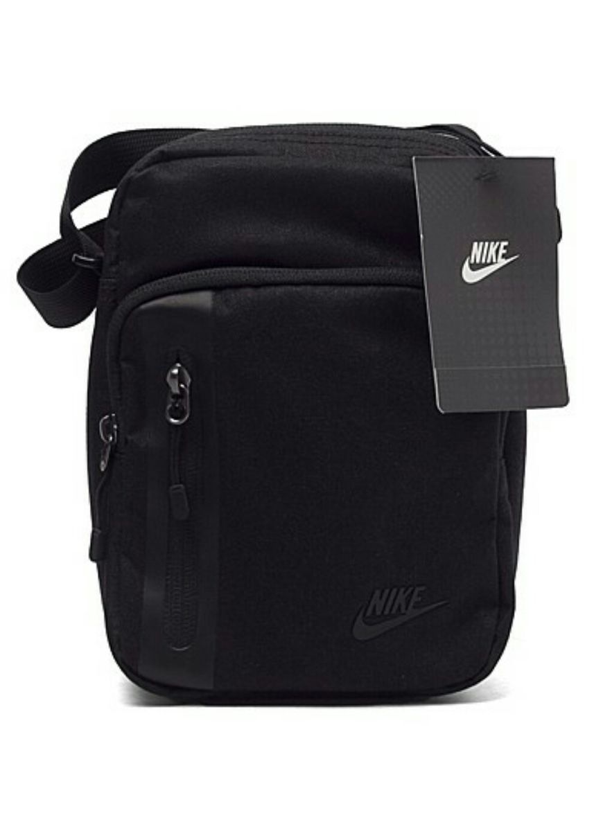 Black color Travel Wallets & Organizers . กระเป๋า Nike Core Small -