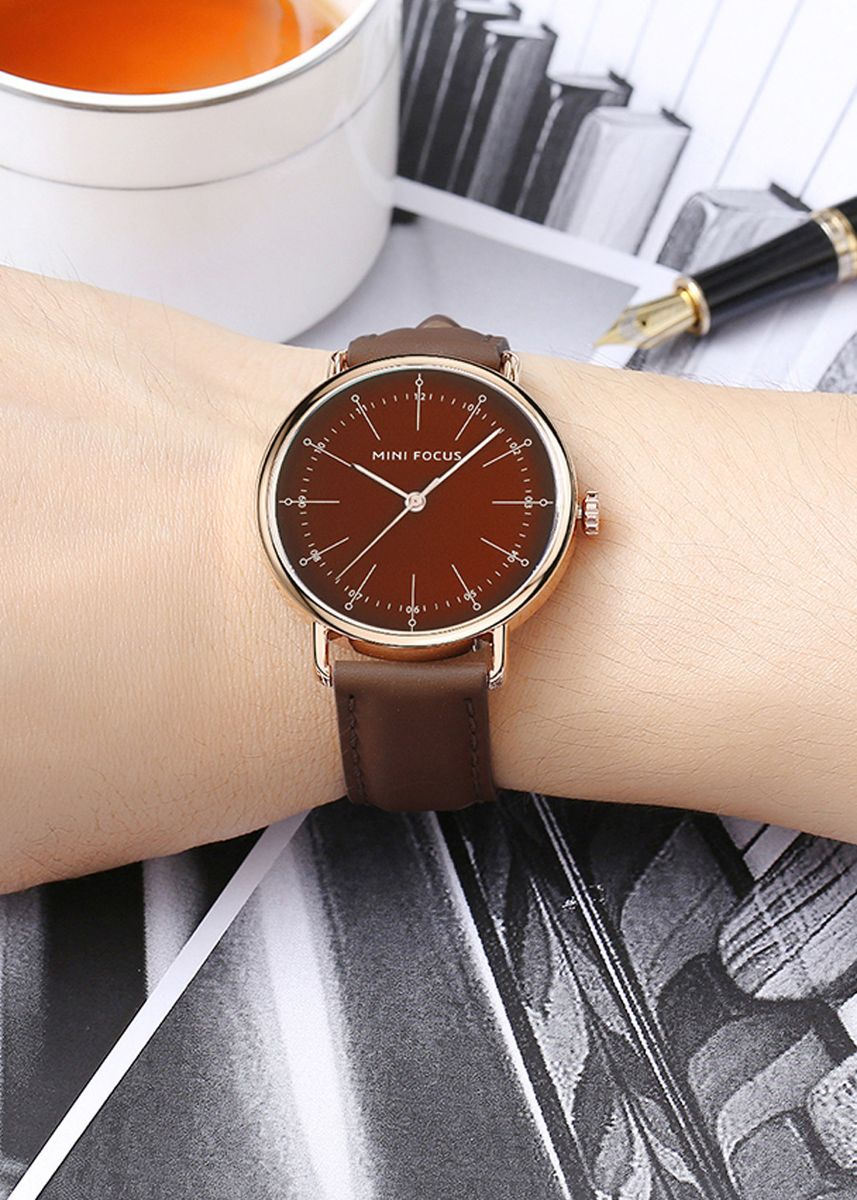 Brown color Analog . MINI FOCUS MF0056G Fashion Waterproof Leather Men Quartz Watch -