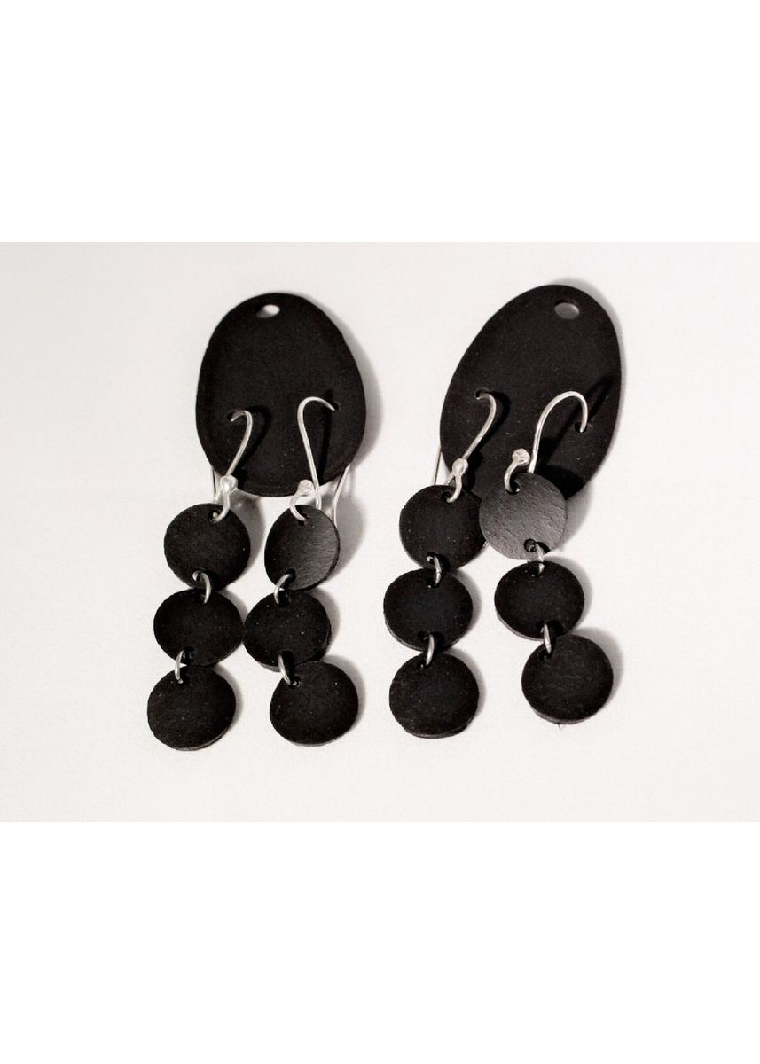 Black color  . Earrings - Trio Drop -
