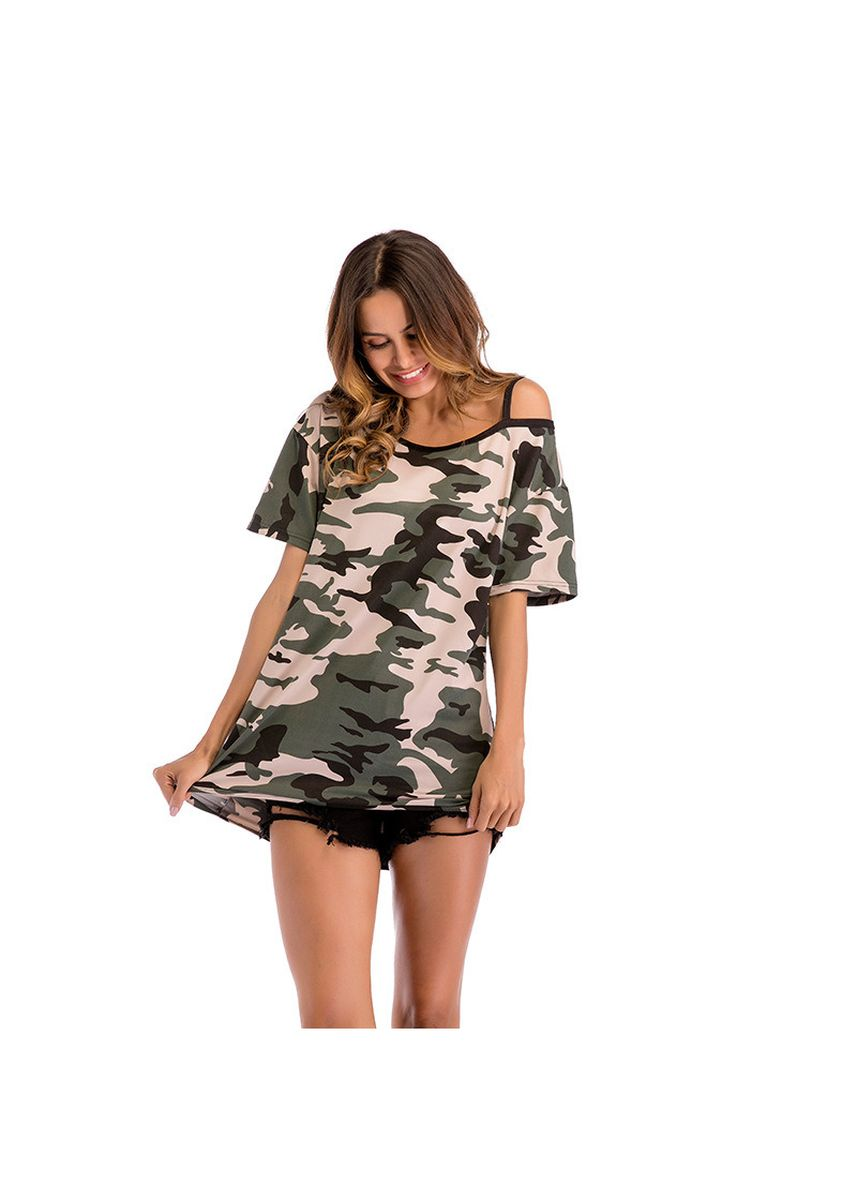 Green color Tees & Shirts . Camouflage Short Sleeved T-shirt -