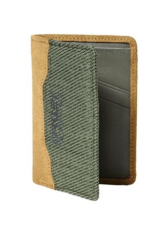 Olive color Wallets . กระเป๋าสตางค์ OAKLEY รุ่น Factory Pilot Leather Wallet #204890 -