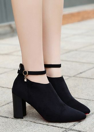Black color Boots . Plus Size Suede Point Rhinestone Martin Boots -