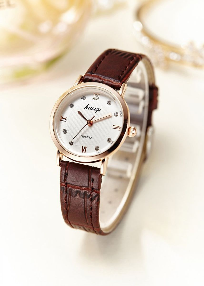 Brown color Analog . Women's Brown Ultra-Thin Leather Strap Quartz Couple Wrist Watch -