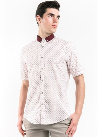 Red color Casual Shirts . MANLY Milville Maroon Slim Fit Short Sleeve with Button Down Collar -