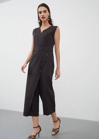 Hitam color Overall . BERRYBENKA Lyndee Button Wrap Jumpsuit Black -
