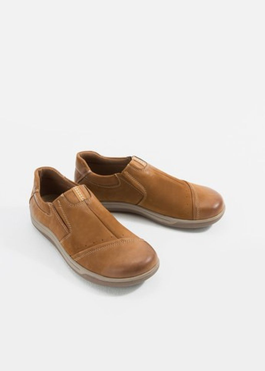 Brown color Formal Shoes . iQ Select รองเท้าผู้ชาย Business & Dress Shoes T7-TR937 Brown -