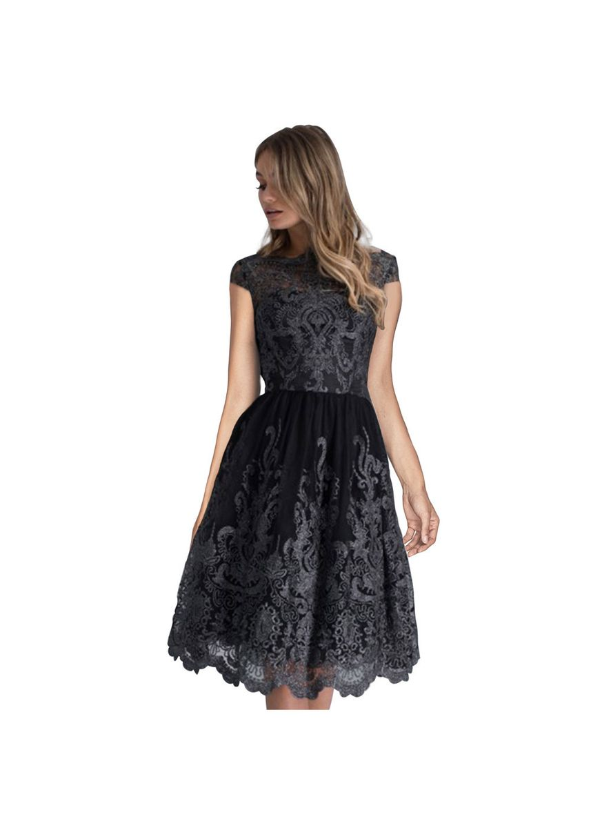 Green color Dresses . Black Lace Embroidered Long Dress Round Neck Short-sleeved Women's -