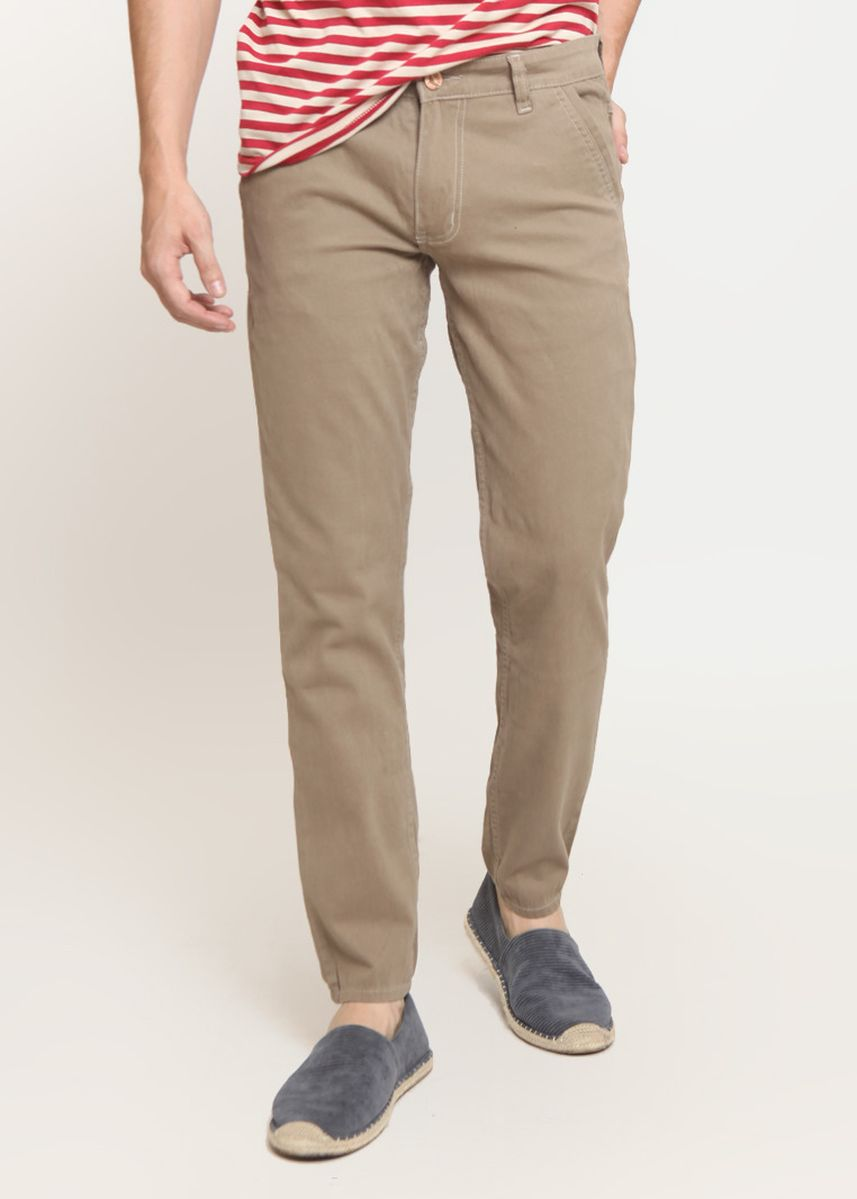 Khaki color Casual Trousers and Chinos . 2Nd RED Celana Pria Slim Fit Chinos Premium Quality Warna Khaki 115521 -