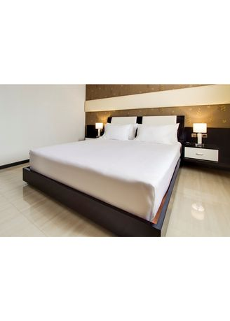 White color Bedroom . Indolinen Sprei Hotel Putih Single -
