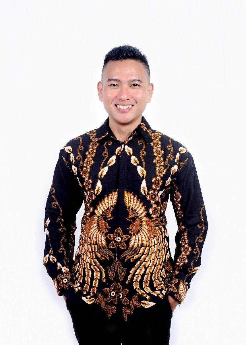 Black color Formal Shirts . Kemeja batik merak long -
