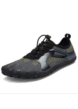 Black color Sports Shoes . women's Outdoor Walking Shoes Mesh Breathable Upstream Shoes Light 5 Finger Shoes -