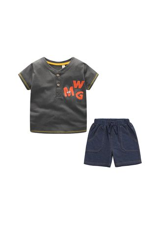 Sets . New Fashion Boy Clothes T-shirt and Pant Set -