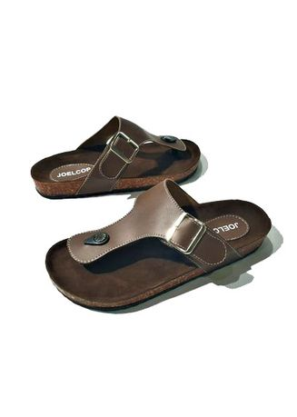 Sandals and Slippers . Thirteen Sandal Flat Puyuh Pria 013 -