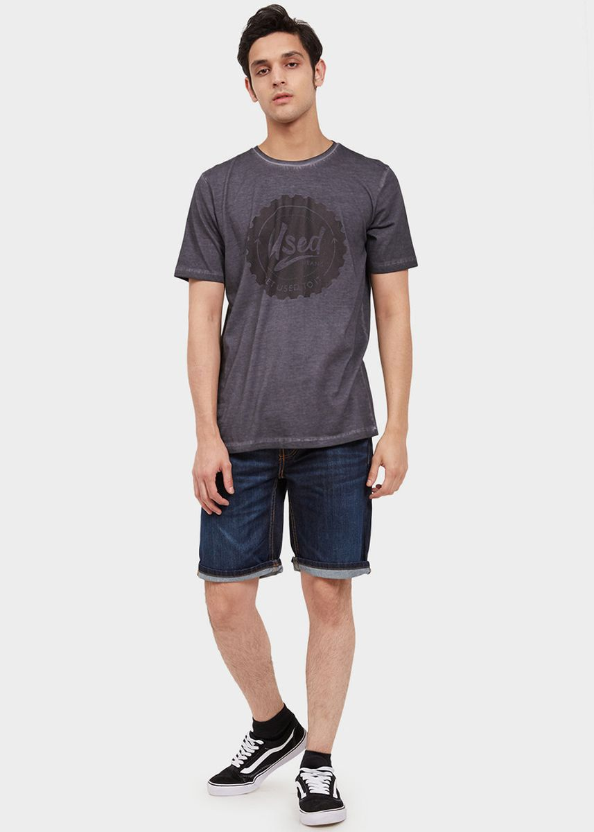 Abu-Abu color Kaus Oblong & Polo . USED JEANS - Grandy Men's T-shirt in Grey -