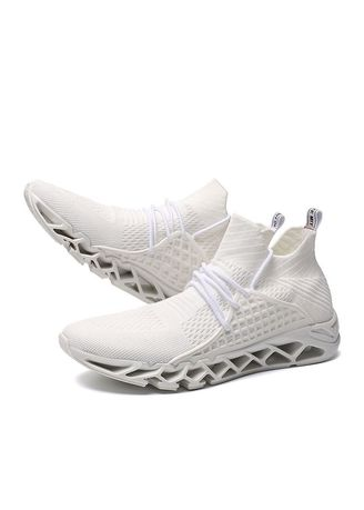 Sports Shoes . Ventilation Mesh Breathable Trail Runners Fashion Sneakers -