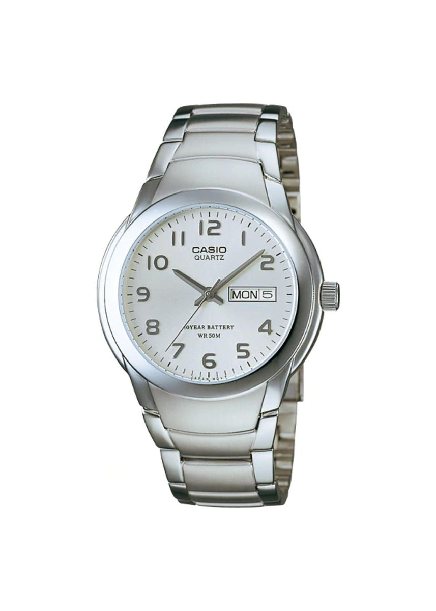 Silver color Analog . Casio Quartz Men's Analog Watch -