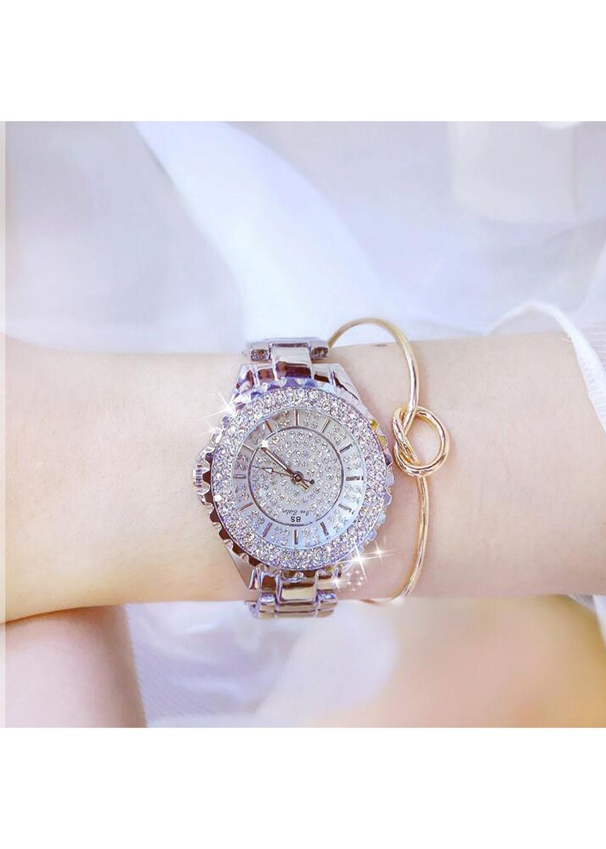 White color Chronographs . New hot-selling watches high-end ladies'chains full of drills high-quality ladies' watches send exquisite watch boxes -