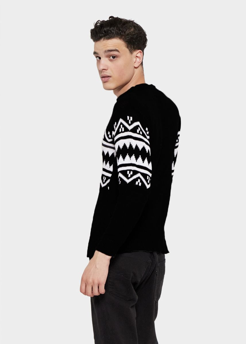 Black color Sweatshirts . Sweater Rajut Pria Chadwick -