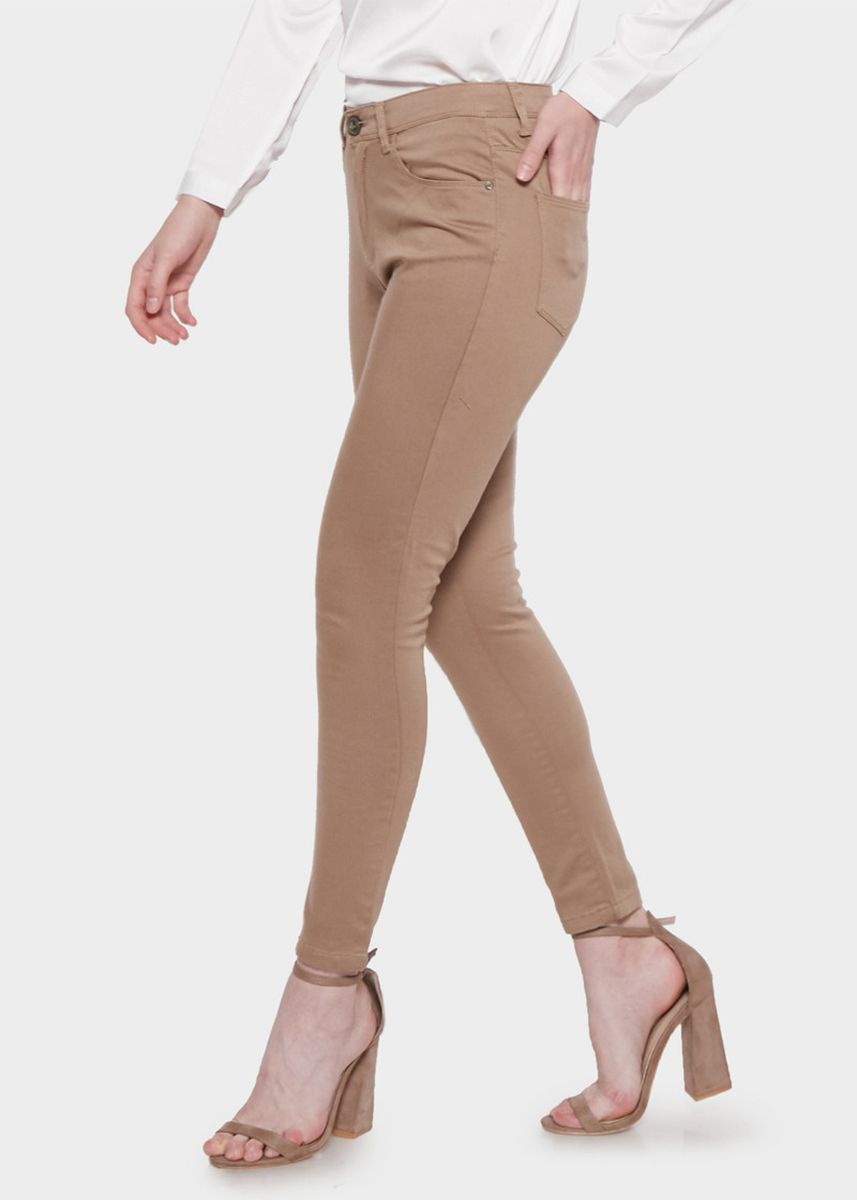 Cokelat color Celana Panjang . Morphidae Brielle Women Pants in Brown -
