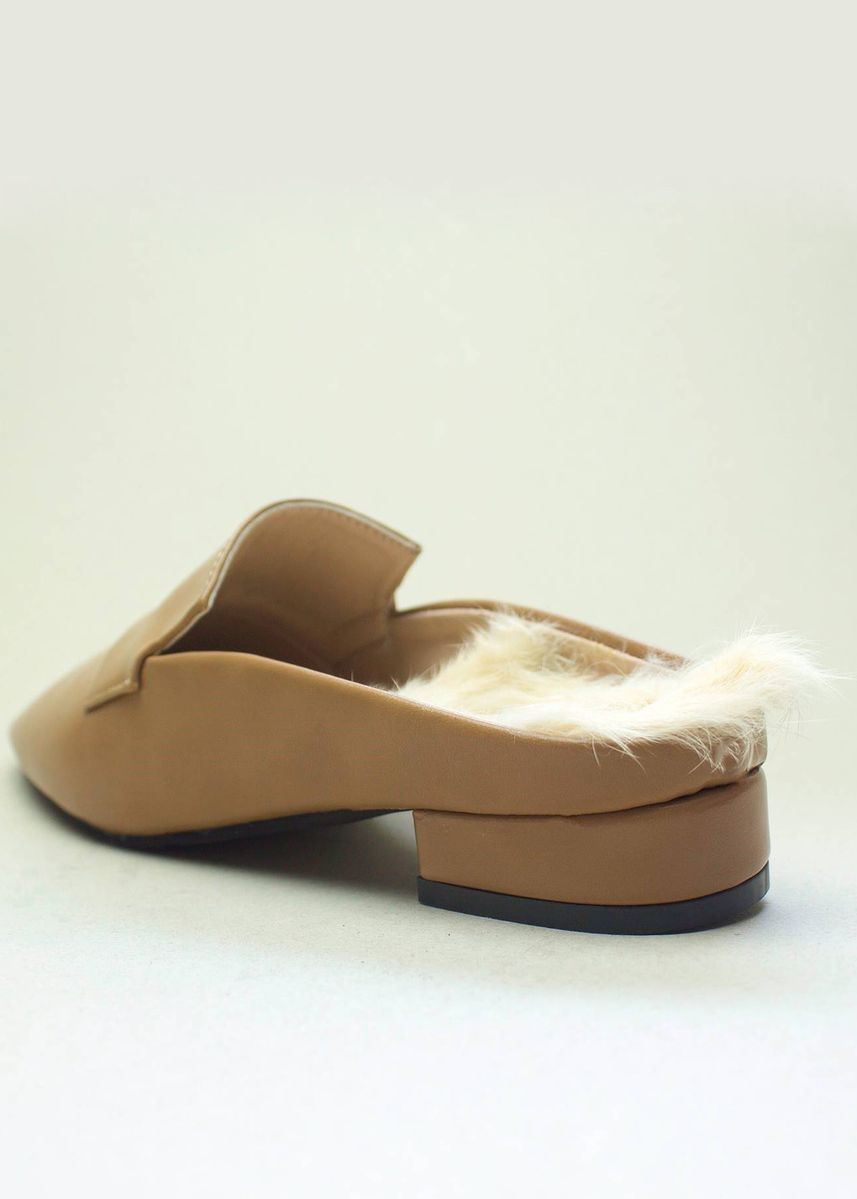 Yellow color Sandals and Slippers . TIDA STUDIO Flat Fur -