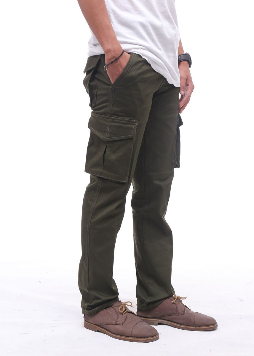 Green color Casual Trousers and Chinos . Cora - Cargo Pants Pria -