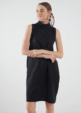 Hitam color Terusan/Dress . Berrybenka Hodyn sleeveless shift dress black -