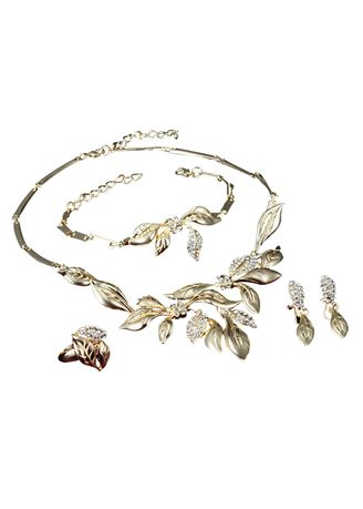 ทอง color  . Leaf Necklace Bracelet Ring Earrings Set -