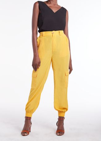Trousers . Relaxed Jogger With Side Patch Pocket -