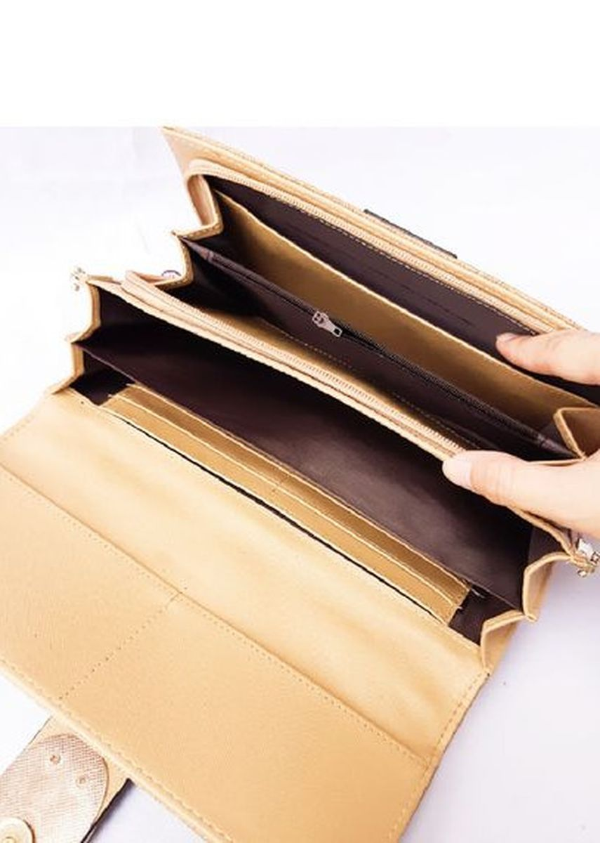 Brown color Wallets and Clutches . Dompet pesta coklat Eowyn -