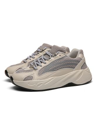 Sports Shoes . Luminous personality casual sports men's shoes -