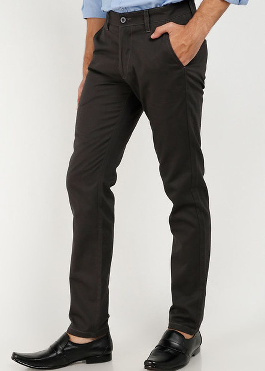 Grey color Casual Trousers and Chinos . Smith Berlin Celana Panjang Chino Pria Slim Fit 02131B -