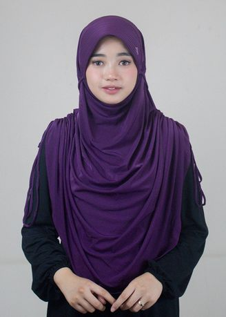 Ungu color Hijab . Kerudung Instan - New Bergo 008 by Shasmira -