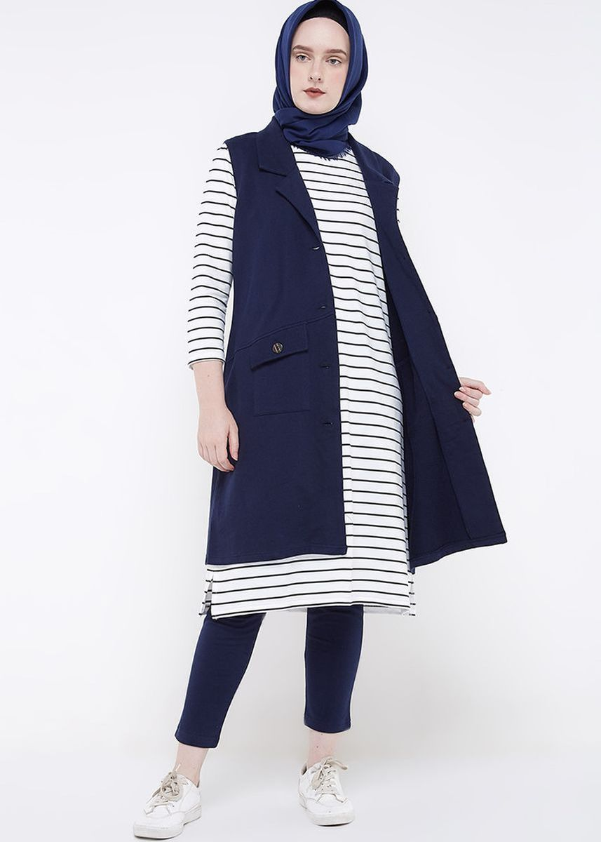 Navy color Jackets . Rave Habbit Arlina Vest Wanita - Navy -
