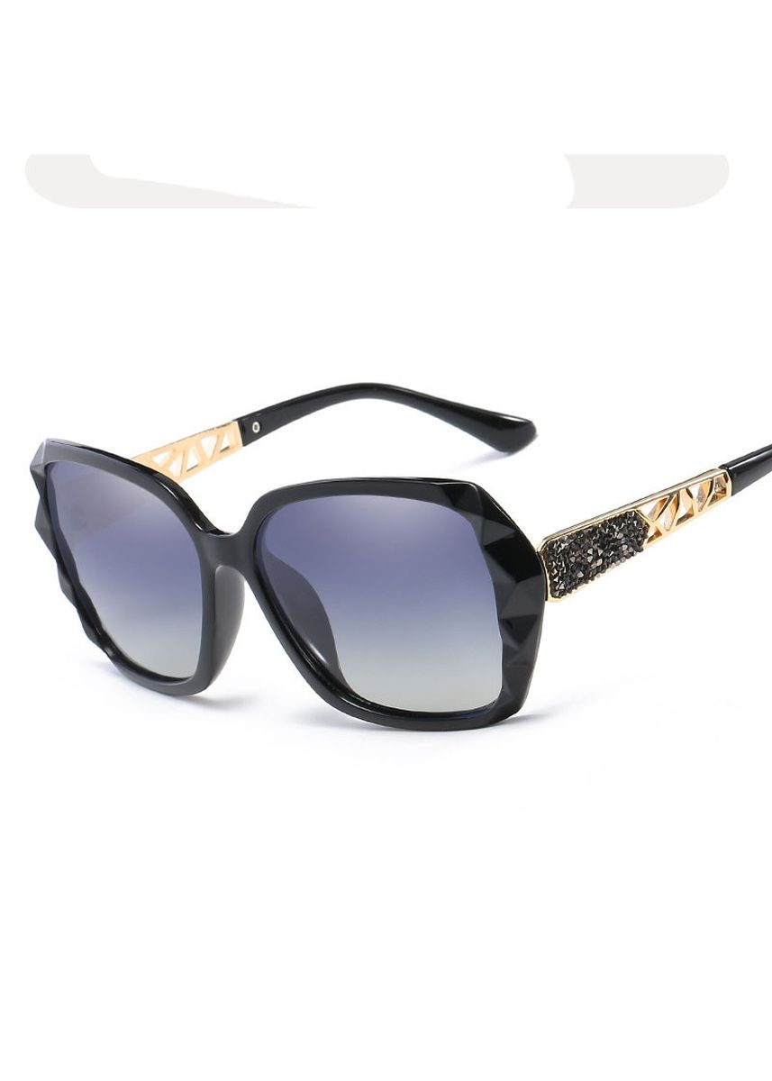 Black color Sunglasses . Women Shades Sunglasses -