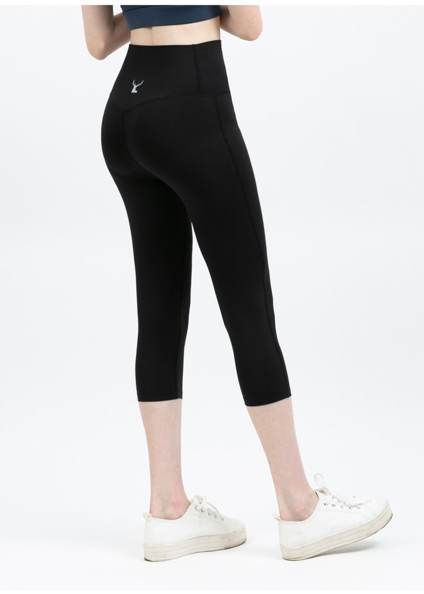 Black color Leggings . Nokjok Jennie 7bu Capri Leggings -
