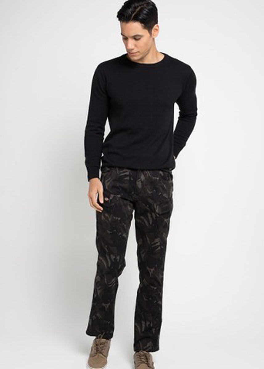 Multi color Casual Trousers and Chinos . EMBA CLASSIC-Eneas One Cargo Pants in Army -