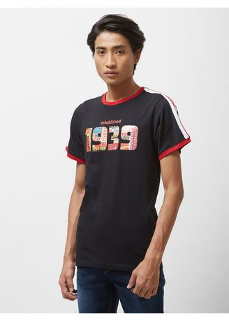 ดำ color เสื้อยืดและเสื้อโปโล . Official MARVEL 80th Graphic Print Round-Neck T-shirt with Contrast Stripes -