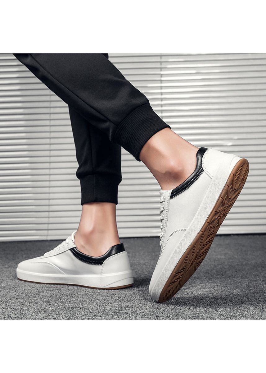 Black color Sports Shoes . Breathable Joker Flats Youth Student Skating Shoes -