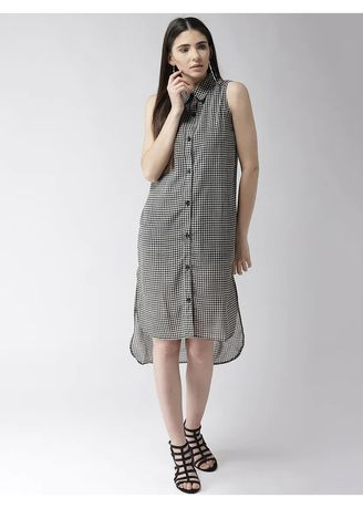 Black color Dresses . Collared Relaxed Dress -