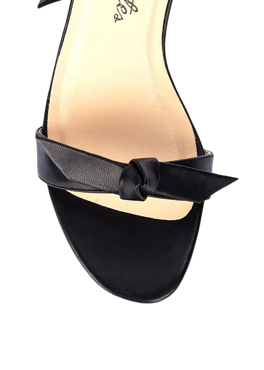 Black color Heels . Carmelletes Heels with Knot detail -