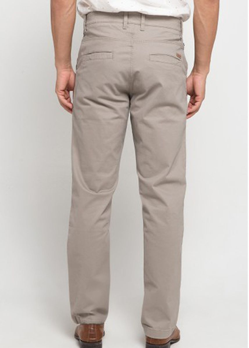 Beige color Casual Trousers and Chinos . EMBA CLASSIC-Edzra Celana Panjang Pria Warna Stone -