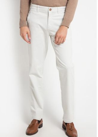 Beige color Casual Trousers and Chinos . EMBA CLASSIC-Geroy One Celana Panjang Pria Warna Cream -